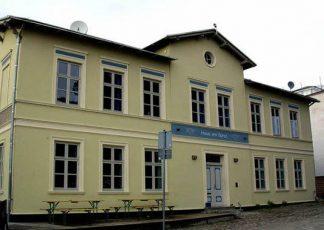 Jugendgästehaus / Altefähr