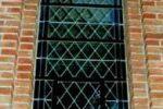 kirchenfenster_von_aussen_large_slimbox